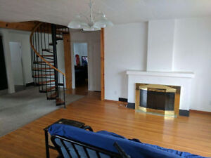 Room Sublet May-August URGENT, FANTASTIC LOCATION :)