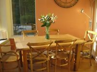 Solid Oak extending dining table/6 chairs