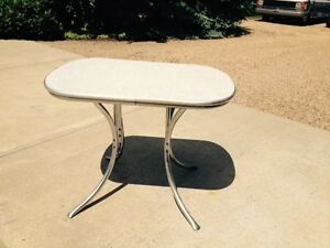 Retro Metal Table