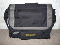 *Reduced* TARGUS 16 inch Laptop Case/Bag