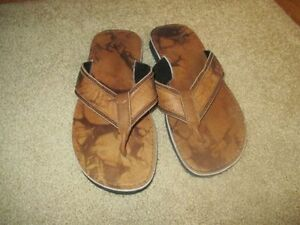 BRAND NEW LEATHER MAN SLIPPER NEVER USED CALL 519-673-9819