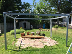 Gazebo ~10' X 13' - Cadre/Chassis seulement - Frame only