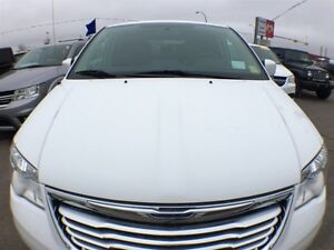 2015 Chrysler Town & Country Touring | Leather | Sunroof | Navig Regina Regina Area image 3