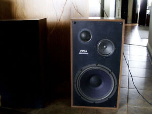 Pair of SOMA SE-1500B Speakers