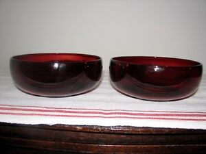 Ruby Red Pressed Glass Serving Dishes Bowls, Set of 2 Kitchener / Waterloo Kitchener Area image 4