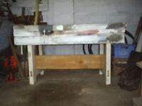 WORK BENCH WITH VICE , FOR BUILDER OR DIY PERSON ,