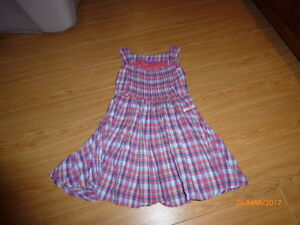 Robe MEXX taille 5 ans