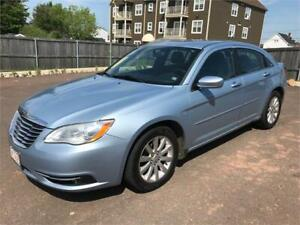 2012 Chrysler 200 Touring - ONE OWNER - 86,000 KMS