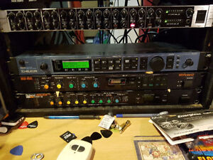 Digital effects: Roland SDE-1000, OR DEP-3 multi-fx processor.