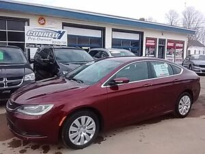 2016 Chrysler 200 LX BLUETOOTH LOW KMS