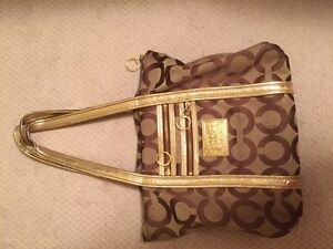Gorgeous brown gold Coach purse in excellent condition