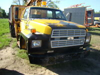 1986 FORD WITH ATLAS CRANE