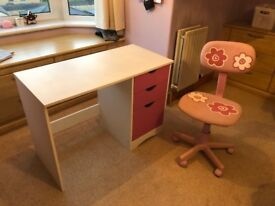 Girls Desk with free seat