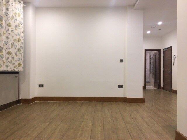 Beautifull newly refurbished large studio falt in central croydon £850