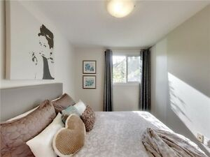 This Renovated Bungalow Is Perfect For A Young Family. Oakville / Halton Region Toronto (GTA) image 8