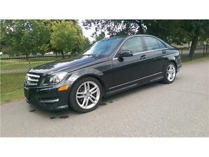 2012 Mercedes Benz C250 4MATIC *LEATHER, SUNROOF*
