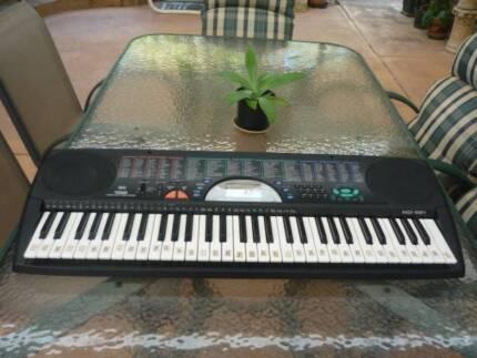 Musical Keyboard - RadioShack; MD-981