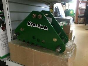 BRO-TEK MECHANICAL THUB FOR JOHN DEERE 1025R/260A BACKHOE