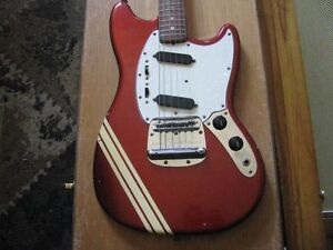 FENDER MUSTANG COMPETITION RED  1970
