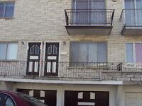 St-Leonard 3 1/2 1er etage  $650.00  **pour Sept**