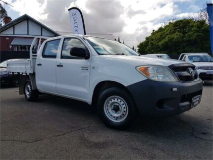 2005 Toyota Hilux KUN16R SR White 5 Speed Manual Dual Cab Pick-up Mount Hawthorn Vincent Area Preview