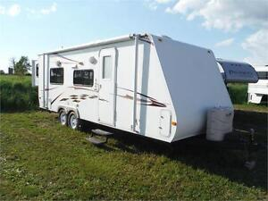 2010 Surveyor 235RKS Travel Trailer with King bed, Bunks & slide