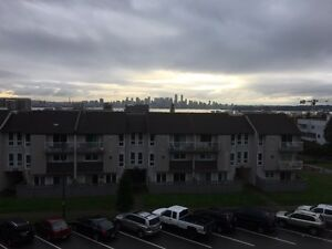 1 BEDROOM IN NORTH VANCOUVER, SKYLINE DOWNTOWN VIEW