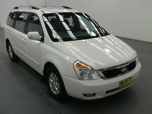 2013 Kia Grand Carnival VQ MY13 SI White 6 Speed Automatic Wagon Fyshwick South Canberra Preview