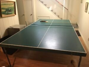 Excellent shape table tennis (ping pong table)