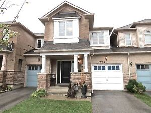 Big, Bright & Beautiful 3 + 1 Freehold Townhome - Milton
