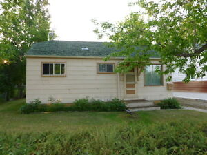 REDUCED PRICE TIL JULY 31  SMALL 3 BEDROOM HOUSE ON PARKWAY BLVD