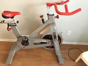Oxy Cycle 800 Spin Bike Spinner treadmill recumbent elliptical
