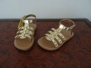 GOLD SANDALS GIRLS/TODDLER SIZE 8 NEW