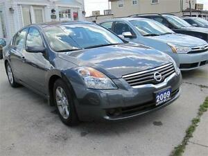 2009 Nissan Altima 2.5 S Clean Carproof CVT Smooth ride  2.5L