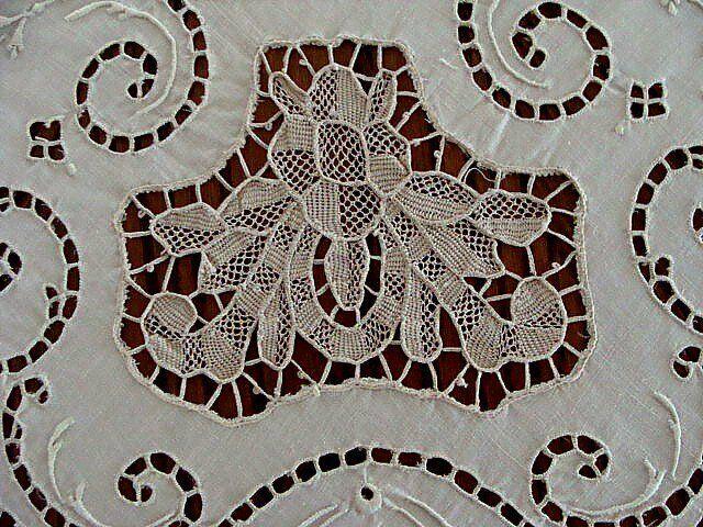 """EXQUISITE Italian Linen Lace Tablecloth 72"""" Cutwork Point de Venise Hand Embroid"""