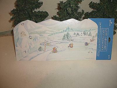 HALLMARK MERRY MINIATURES ARTIC SCENE DISPLAY STAND BACKDROP WINTER MINT