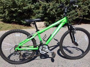 Boys Bike - suitable age 8,9,10