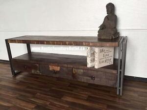 Meuble de télévision rustique de style industriel faite avec du bois recyclé des Indes