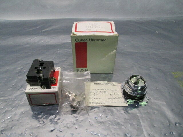 Cutler-Hammer 10250T172 Operator Push Button, Jumbo Head, Red, Eaton, 100607