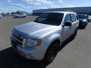 2010 FORD ESCAPE MANUELLE CLIMATISEE 4 CYLINDRES PROPRE