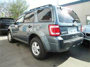 2010 Ford Escape 3.0L XLT AWD Leather/ Sunroof/ Bluetooth.