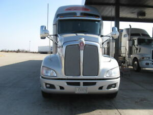 Kenworth T-660 High Way Tractor