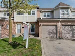 Well Appointed Town Home, 3 Beds, 4 Baths, 72 WICKSTEAD Court