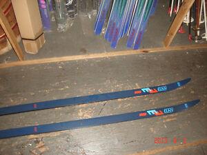 ELAN R8 xc skis  180 cm and 195cm