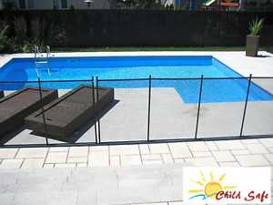 Safety removable pool fence in Barrie, Ontario