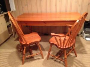 Solid Pine Harvest table and chairs