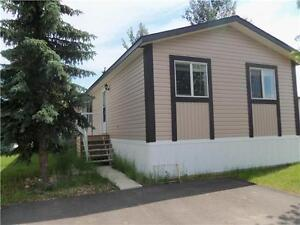 LIKE NEW TRAILER FOR SALE IN PEACE RIVER ON PAD RENT