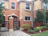 Beautiful Townhouse in Hollywood FLORIDA!