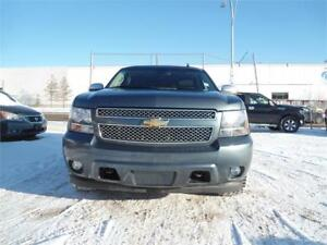 2008 Chevrolet Tahoe LTZ\LEATHER\SUN ROOF\8 PASSENGER\4WD