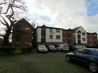 2 Bedroom 2nd Floor Flat - Modern Kitchen - Allocated Parking - Available from 13th December 2016